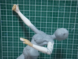 緋山千夏のフィギュア 腕・手の修正